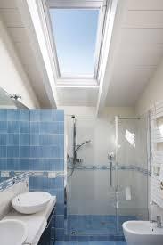 Oltre 25 fantastiche idee su bagni bianchi blu su pinterest