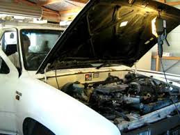 Oil change toyota hilux - YouTube