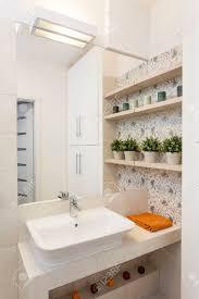 Gemütliche Wohnung Nahaufnahme Der Waschbecken Im Hellen