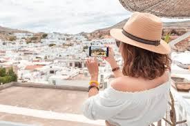 30 travel insram accounts you should