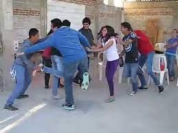 Los juegos educativos para adolescentes son una serie de técnicas utilizadas en las aulas para crear un entorno critico, participativo y educativo. 7 Ideas De Juegos Recreativos Para Jovenes Juegos Recreativos Para Jovenes Juegos Juegos Recreativos