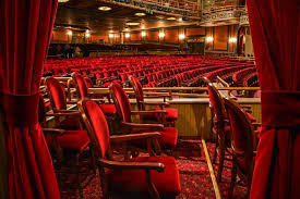 Palace Theater In Waterbury Offers Kid Friendly Tour With