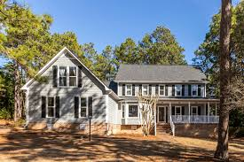 105 Evergreen Court, Pinehurst, NC 28374, Presented by Polly Simpson,  Nexthome In The Pines. Powered by FloorPlanOnline