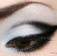 step 1 stick to the crease the best spot for black eyeshadow