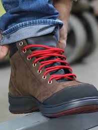 lightest safety shoes canada