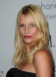 nicollette sheridan um blonde hairstyle with bangs