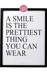A Smile Is The Prettiest Thing You Can Wear Dieses Tolle Zitat