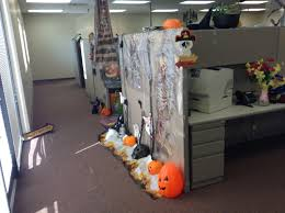 17 halloween decor ideas for a spooky office or cubicle best 25
