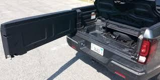 New Ram 1500 pickup tailgate does the splits | Fox News