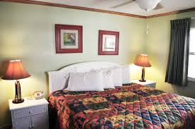 Ocean Inspired Bedroom One Bedroom Oceanfront Suite Ocean Landing Resort And Racquet Club
