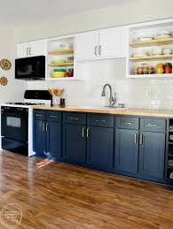 Why I Chose to Reface My Kitchen Cabinets (rather than paint or ...