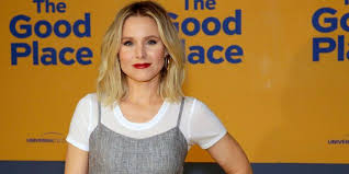 Kristen Bell Sings At Middle School During Hurricane Irma | Women's Health