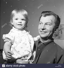 Clive Dunn Dads Army High Resolution Stock Photography and Images - Alamy