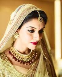 soha ali khan bridal makeup look was in buzz before few days she looked stunning on her wedding day she has perfect glamour s avatar in this bridal look