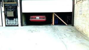 chamberlain garage door wont close garage door won t open or close garage door wont open garage door opener manual troubleshooting chamberlain garage door
