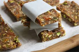 diy energy bar recipe homemade energy bars are always something i m on the hunt for as