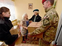 Szczecińscy wolontariusze przekazali dary dla kombatantów | dzieje ...