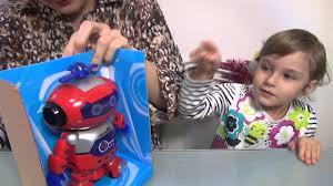<b>Танцующий</b> робот. <b>Игрушка</b> для детей младшего возраста ...