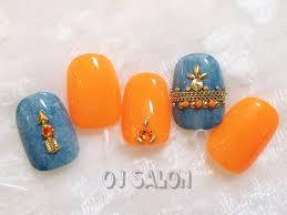 太陽のように元気なカラーオレンジネイルは夏にぴったりネイルデザイン