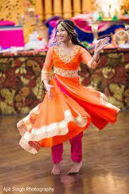 Indian shakira dance hot (must maal) hd. Indian Girl Dancing At The Sangeet Pre Wedding Celebration Photo 162456