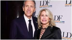 Sheri Schultz, Howard Schultz's Wife: 5 Fast Facts to Know | Heavy.com
