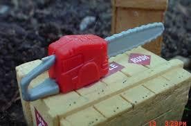 miniature chainsaw. chain saw 1/24 scale 1/18 miniature diorama accessory item chainsaw u