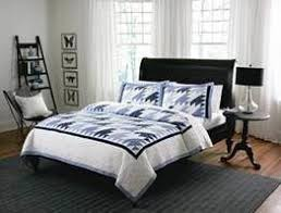 Giveaway: 'Country Living' Cape Cod Quilt Set | CafeMom & Country Living quilt Adamdwight.com