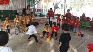 Giao lưu trò chơi dân gian cho trẻ tại trường mầm non