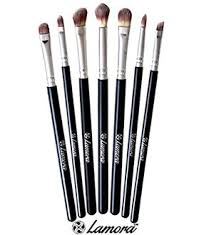 when someone talks about quality makeup brushes the name lamora quickly es to mind its 7 piece brush set is one of the most highlighted s that