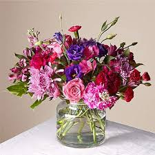 Apart from valentine roses we also offer a varied collection of fresh flower bouquets for. Valentine Gifts For Boyfriend 2021 Send Creative Gifts For Boyfriend