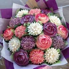Learn How To Make A Gorgeous Cupcake Bouquet The Whoot
