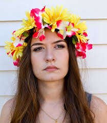 dress up with a flower crown diy beach party ideas for your beach themed