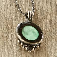 moonglow necklace full moon 1