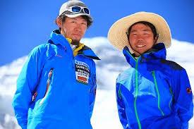 「2012年 - 竹内洋岳がヒマラヤ山脈のダウラギリに登頂し、日本人としてはじめてヒマラヤ山脈の8000メートル級の山14峰をすべて登頂」の画像検索結果