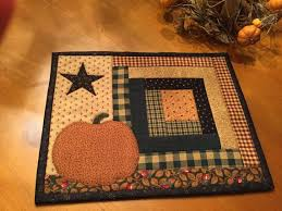 Best 25+ Country quilts ideas on Pinterest | Quilt patterns ... & Fall Candle Mat / Primitive /Pumpkin Candle Mat / Country Quilt / Item #897 Adamdwight.com