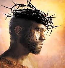 Resultado de imagen de Crean una Biblia que sustituye el nombre de Dios por el nombre del rapero Kanye West