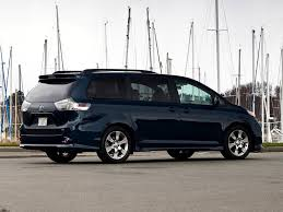 2011 Toyota Sienna, World Debut in LA - autoevolution