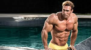 mike o hearn getting out of a pool
