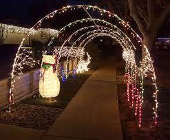 Driveway Tunnel Christmas Lights Holiday Light Tunnel 7 Steps With Pictures Instructables