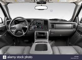2006 Chevrolet Tahoe Z71 in Silver - Dashboard, center console ...