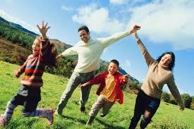 Семья и здоровый образ жизни Губкинская центральная районная   Семья главный показатель здорового образа жизни эта пословица имеет глубокий смысл Формирование здорового образа жизни должно начинаться с рождения