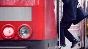 """""""unser angebot von heute ist ein klares signal für. Deutsche Bahn Lokfuhrer Kundigen Streik An Tagesschau De"""