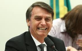 Resultado de imagem para imagem de Bolsonaro rindo