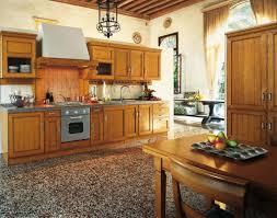Mobili cucina legno naturale: cucina classica in legno di castagno