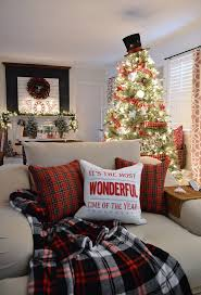 Living Room Christmas Decoration 17 Best Ideas About Apartment Christmas Decorations On Pinterest