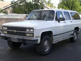 1990 Chevy and GMC Suburbans Summit White Paint Color