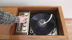Cabinet Record Player 1965 Magnavox 2st648 Console With 4 Speed Micromatic Record