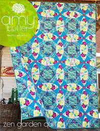 Zen Garden Quilt Kit featuring Splendor by Amy Butler Curved ... & Zen Garden Quilt Kit featuring Splendor by Amy Butler Curved piecing is the  secret to this Adamdwight.com