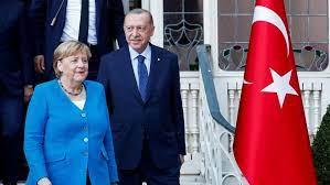 Türkeibesuch: Merkel und Erdogan machen auf heile Welt