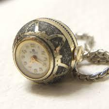 lady s necklace pendant bucherer gold
